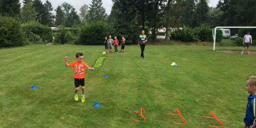 Sporten op het sportveld van de Kienehoef